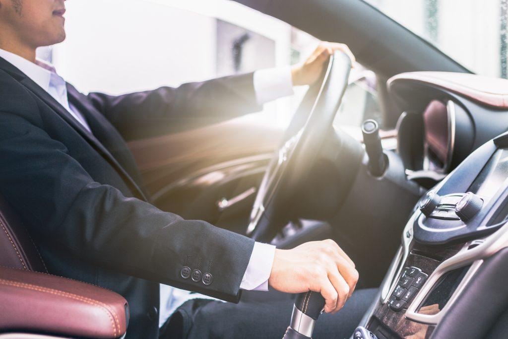 chauffeur-service-car-driver